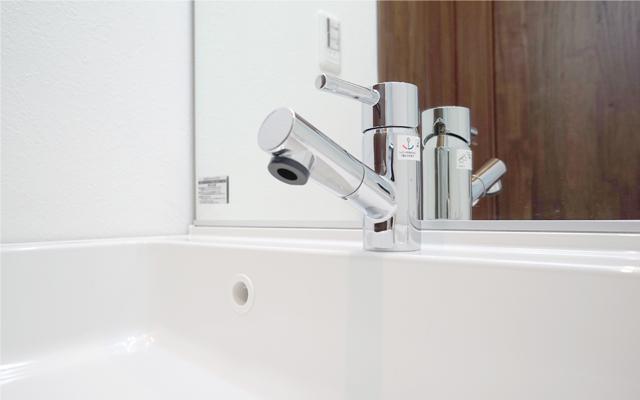 心永工務店の洗面所の水栓